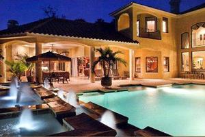 Luxurious Outdoor Fountain